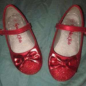 Toddler sparkley red shoes